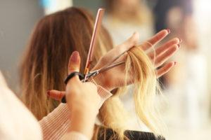 美容師・スタイリストの給料・収入・年収ってどれくらい?